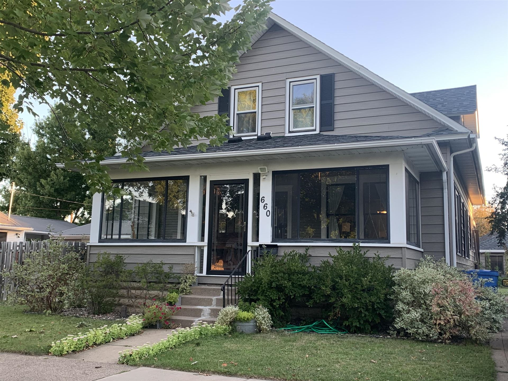 660 7th St E, Winona, MN 55987 - MLS#: 1708710
