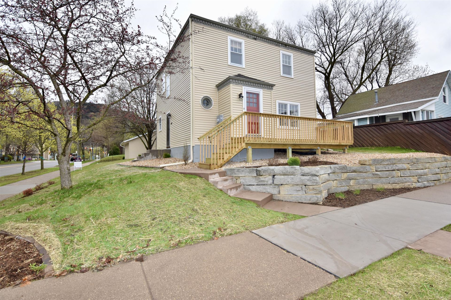 2402 Main st, La Crosse, WI 54601 - MLS#: 1686715