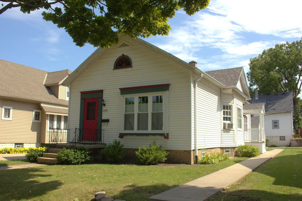 2758 S Linebarger Ter, Milwaukee, WI 53207 - #: 1657723