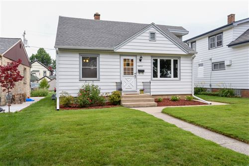 Photo of 3870 E Munkwitz Ave, Cudahy, WI 53110 (MLS # 1703727)