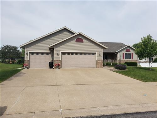 Photo of 2203 Golfview LN, Onalaska, WI 54650 (MLS # 1698729)