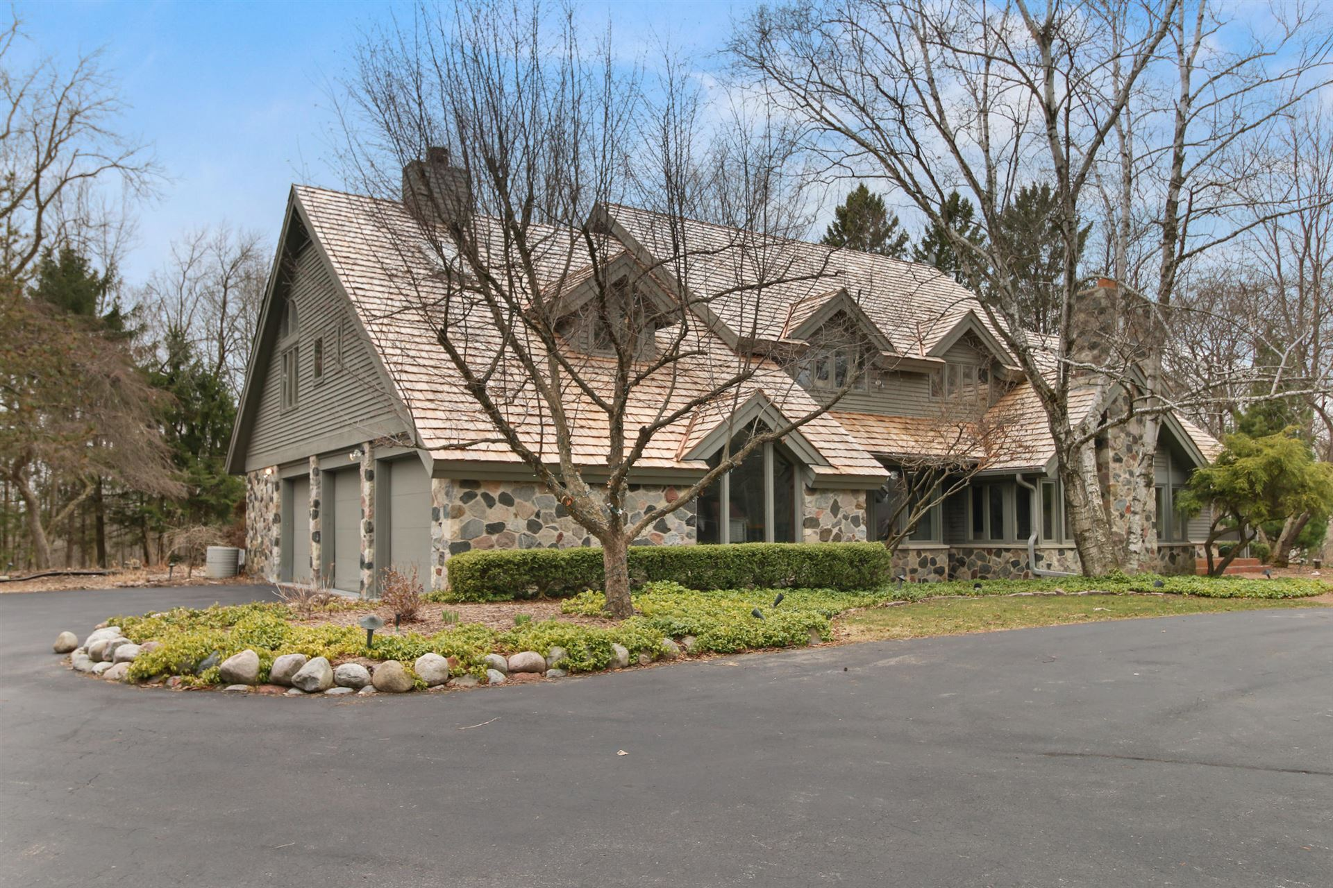 3131 W Donges Bay Rd, Mequon, WI 53092 - #: 1632729