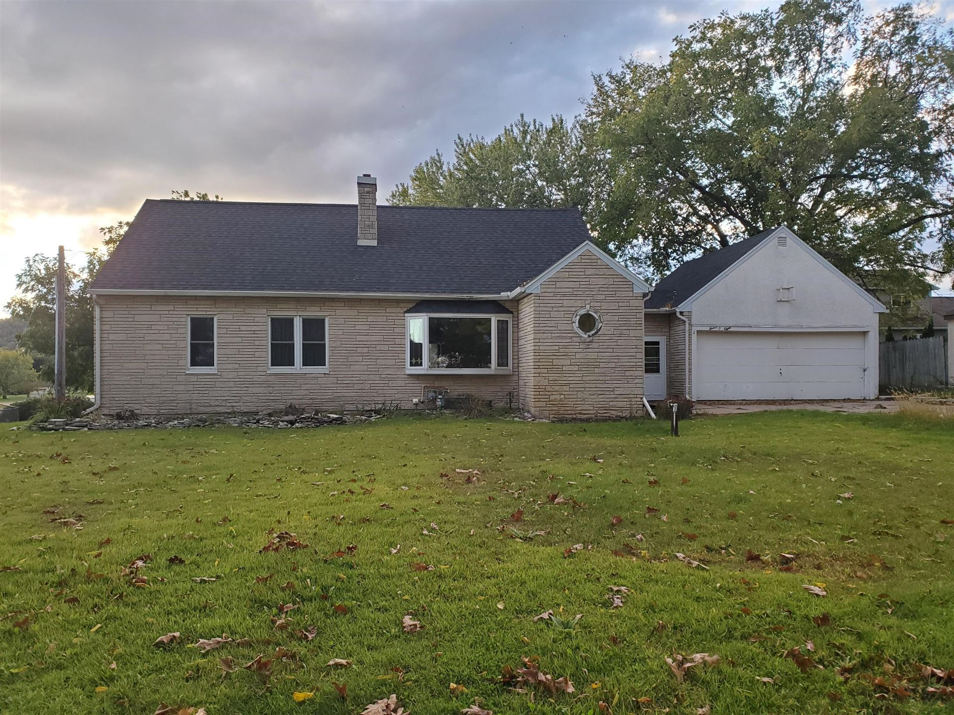 1208 Grandview Ter, La Crescent, MN 55947 - MLS#: 1712735