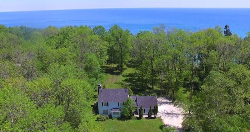 13418 N Lakewood Dr, Mequon, WI 53097 - #: 1742735