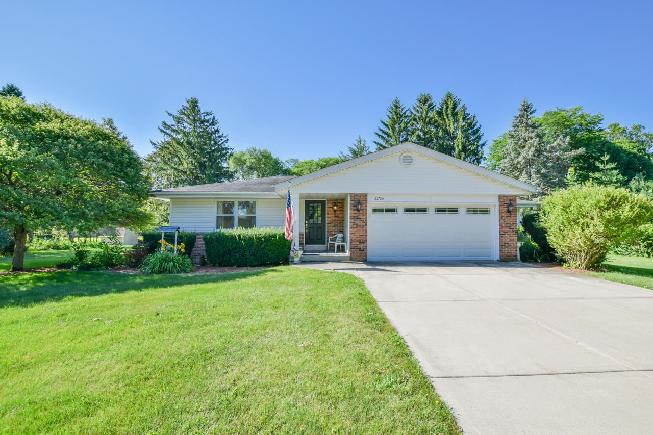 21705 Clearfield Rd, Brookfield, WI 53045 - #: 1701750