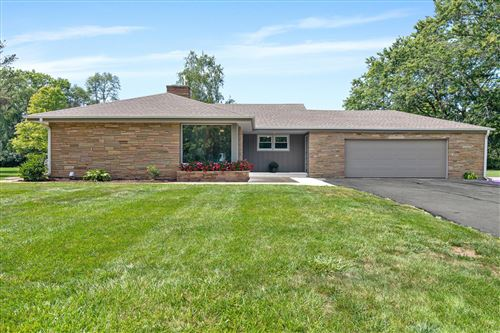 Photo of 11315 N Mulberry Dr, Mequon, WI 53092 (MLS # 1760758)
