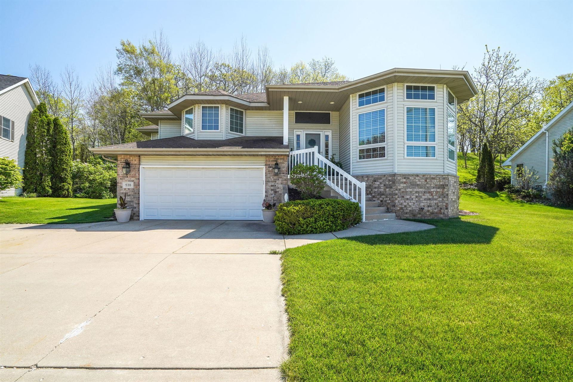 538 Fox River Hills Dr, Waterford, WI 53185 - MLS#: 1740758