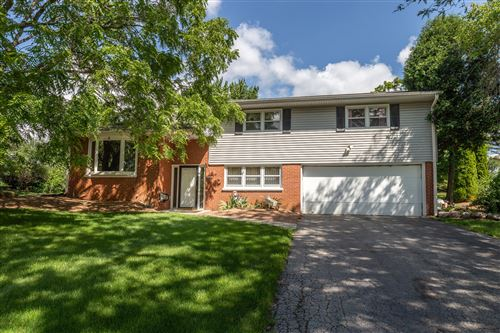 Photo of 11440 W Rhoder Ave, Franklin, WI 53132 (MLS # 1664760)