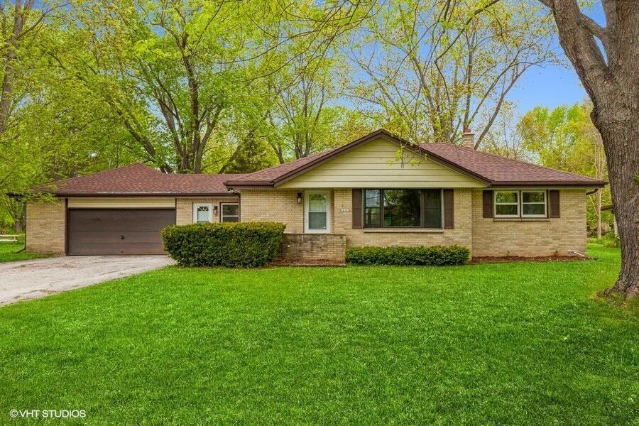 10161 S Nicholson Rd, Oak Creek, WI 53154 - #: 1740766