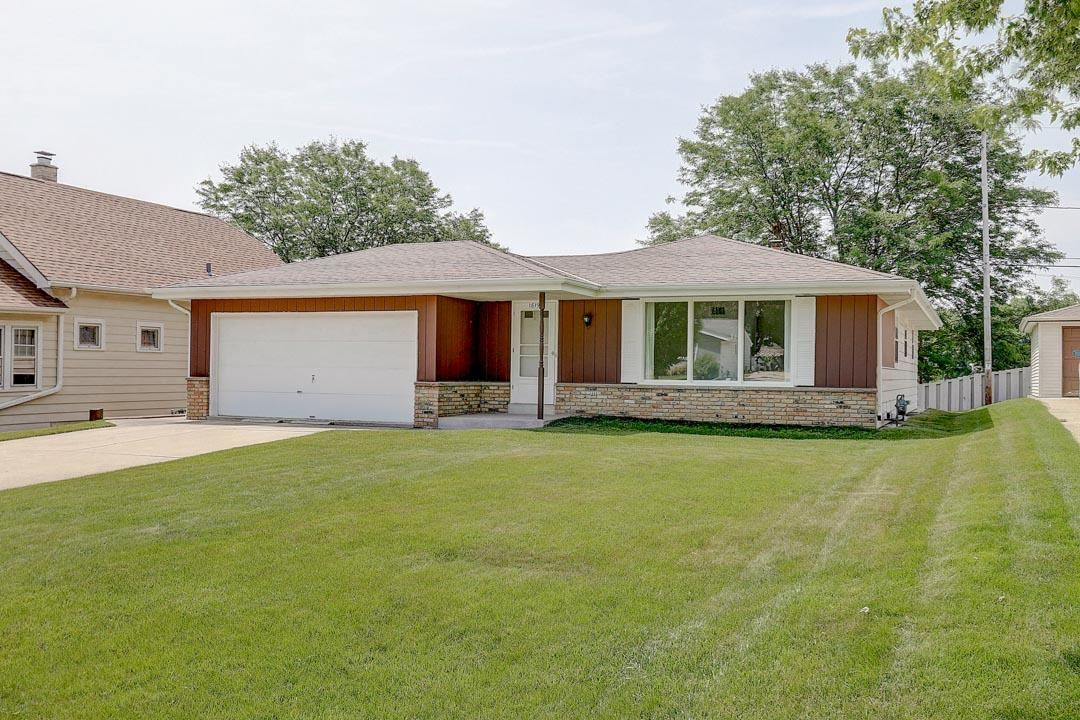 1819 Marquette Ave, South Milwaukee, WI 53172 - #: 1696773