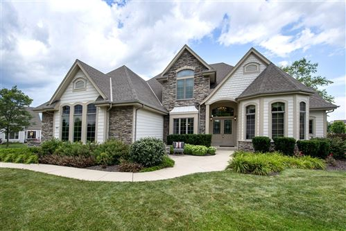 Photo of 8970 S Bluestem Ct, Franklin, WI 53132 (MLS # 1702774)