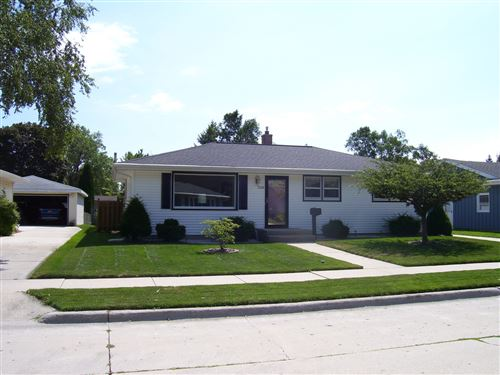 Photo of 3723 S 13th St, Sheboygan, WI 53081 (MLS # 1703780)