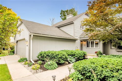 Photo of 865 W Autumn Path Ln, Bayside, WI 53217 (MLS # 1702781)