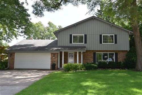 Photo of 7250 N Redwood Rd, Glendale, WI 53209 (MLS # 1703781)