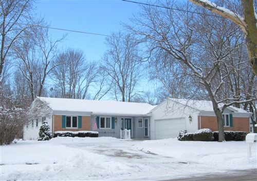 Photo of 1252 Fleetwood Dr, Manitowoc, WI 54220 (MLS # 1617783)