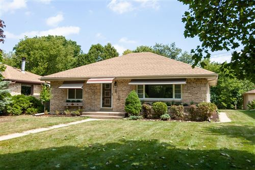 Photo of 5700 N Milwaukee River Parkway, Glendale, WI 53209 (MLS # 1703785)