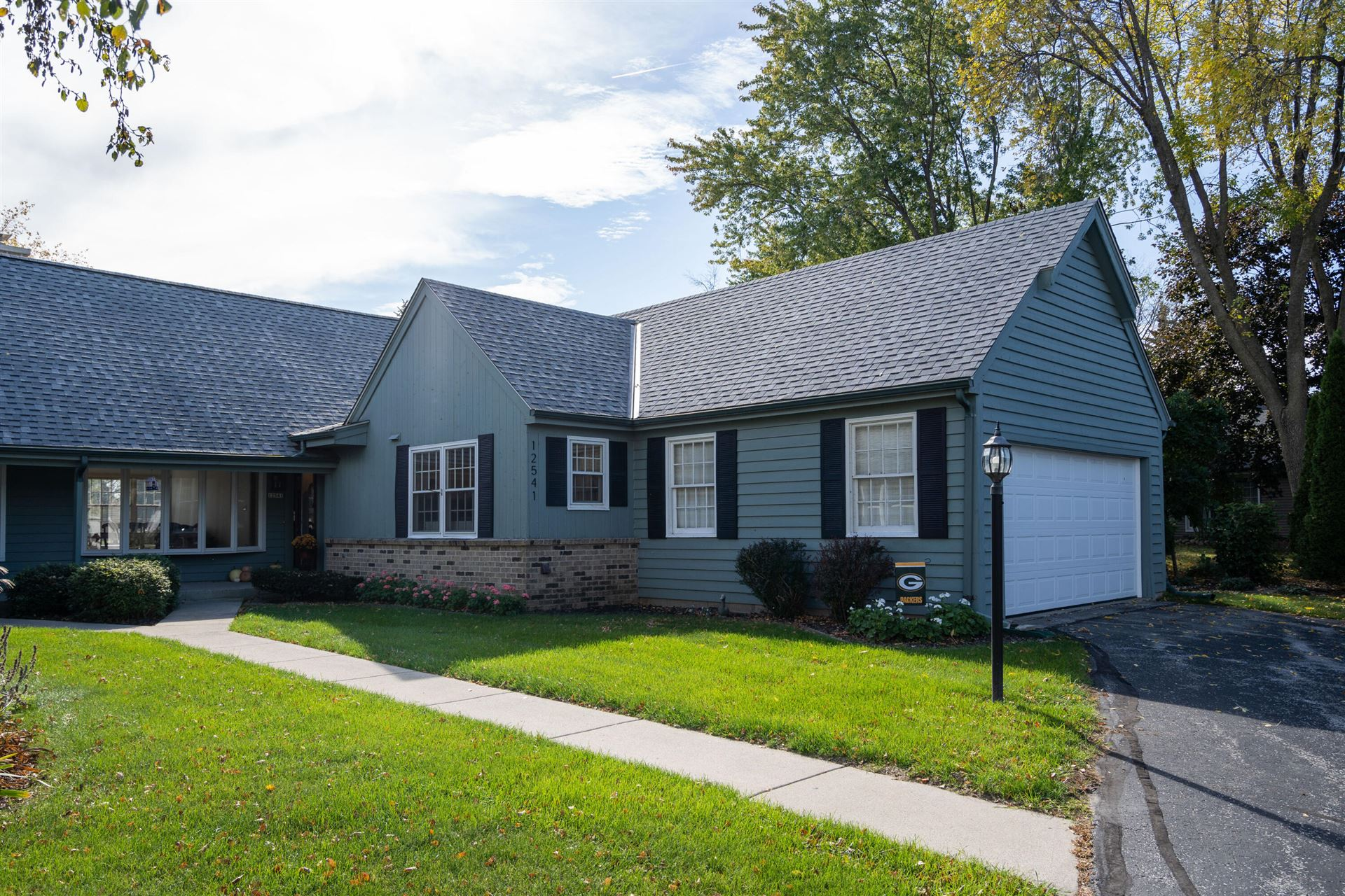 12541 N Woodberry Dr, Mequon, WI 53092 - #: 1768787