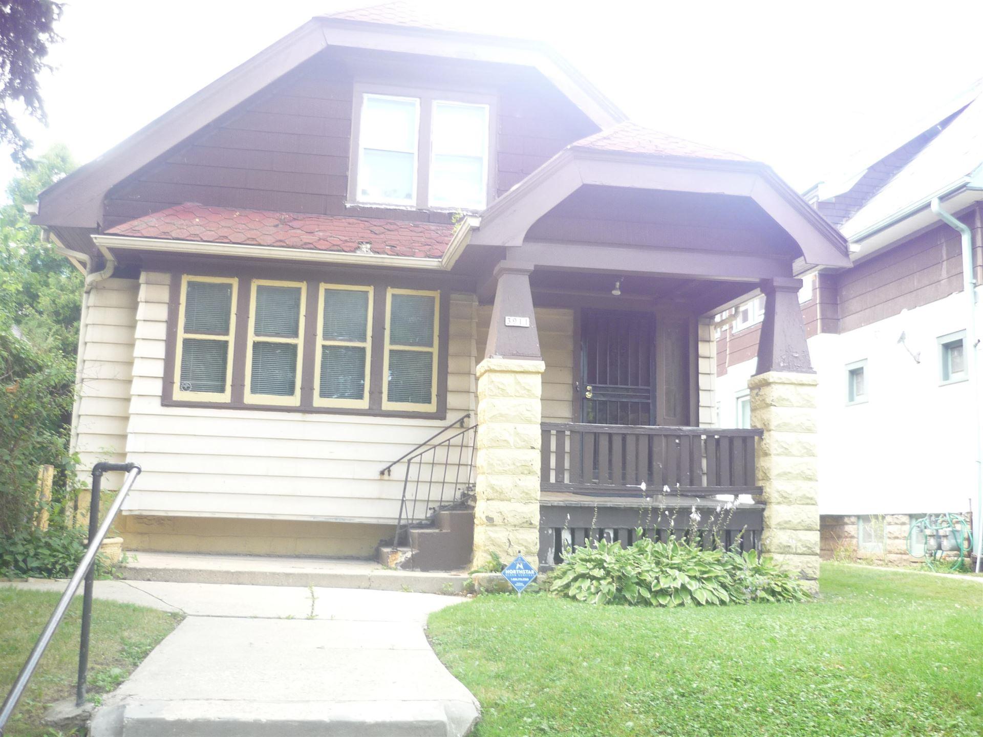 3911 N 24th St, Milwaukee, WI 53206 - #: 1703789