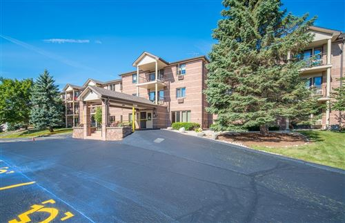 Photo of 530 N Silverbrook #130, West Bend, WI 53090 (MLS # 1702796)