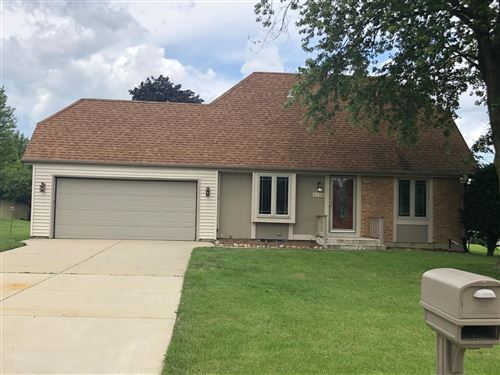 Photo of 5134 Emstan Hills Rd, Racine, WI 53406 (MLS # 1702803)