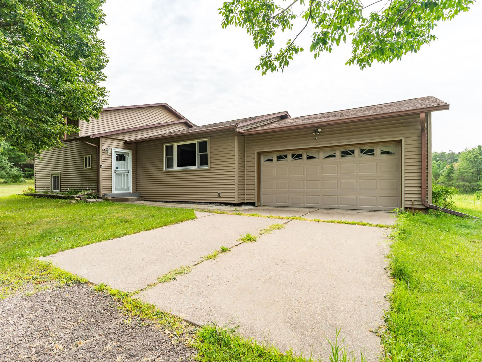 W13617 County Rd C, Albion, WI 54615 - MLS#: 1755803