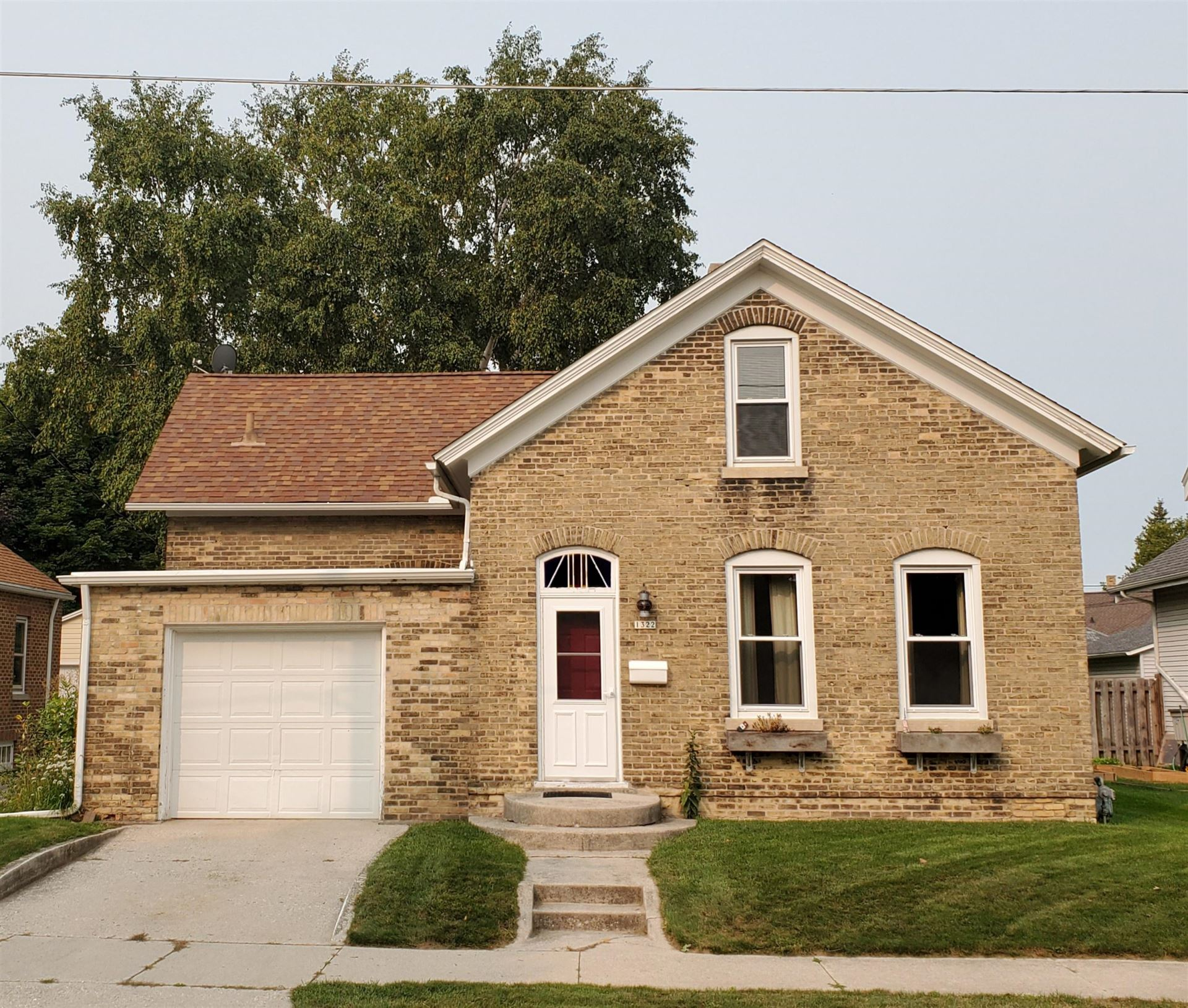 1322 S 16th St, Manitowoc, WI 54220 - #: 1709816