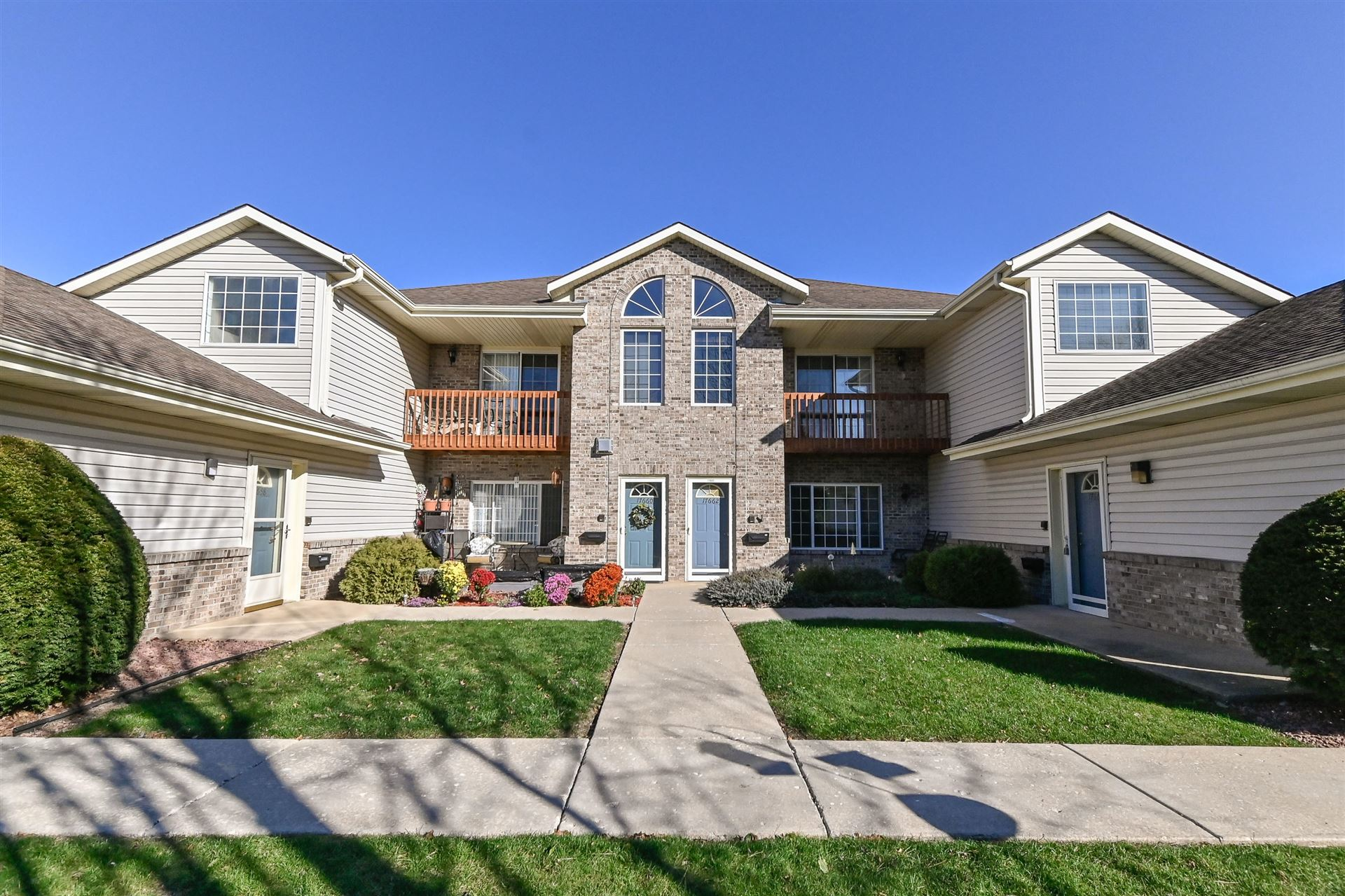 17664 W Lincoln  Ave #8, New Berlin, WI 53146 - #: 1712820