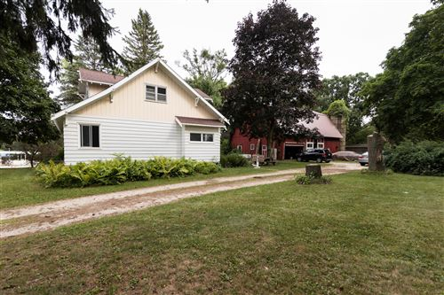 Photo of N62W23527 Silver Spring Dr, Sussex, WI 53089 (MLS # 1755826)