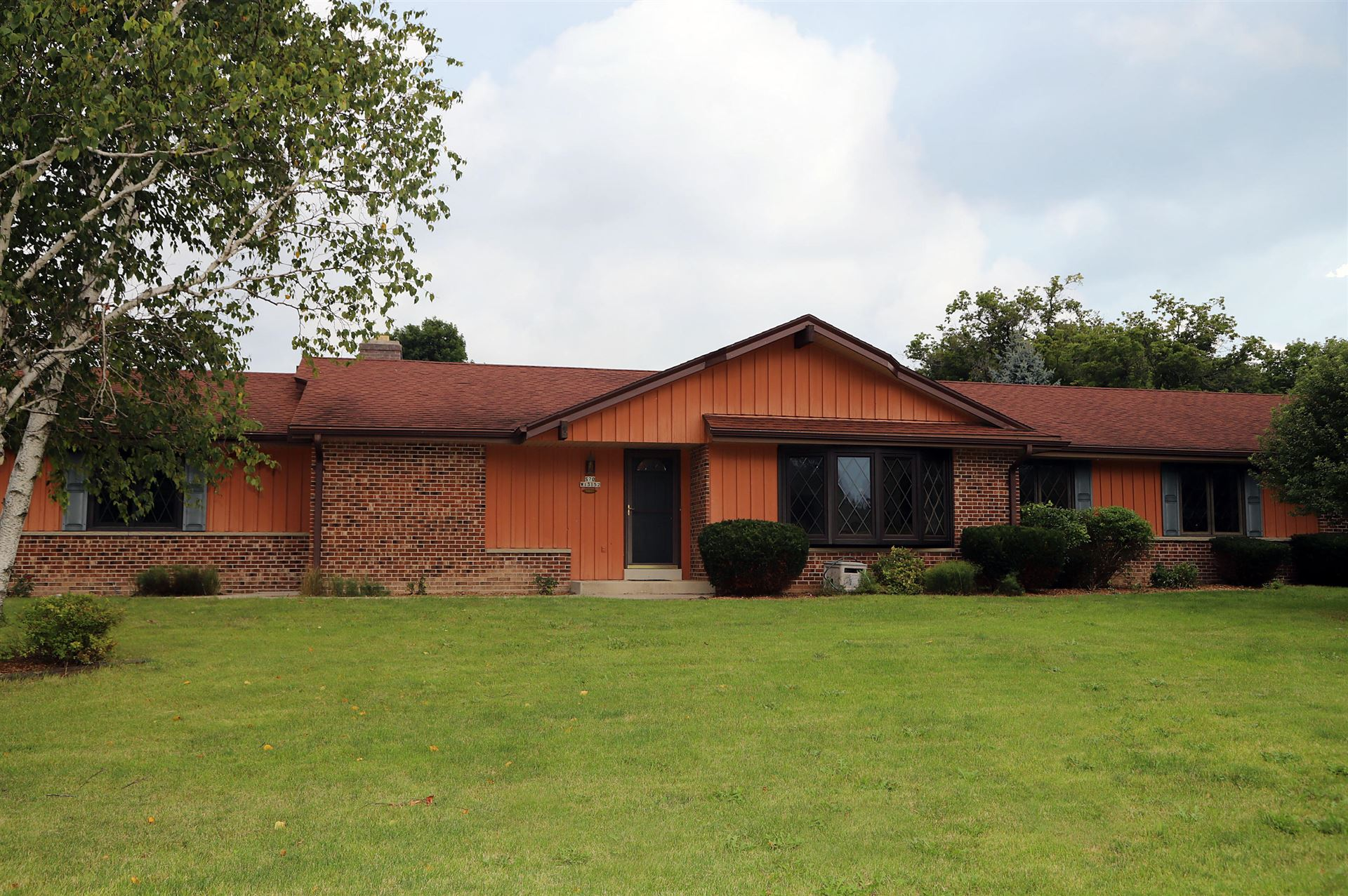 S70W13152 Woods Rd, Muskego, WI 53150 - #: 1703829