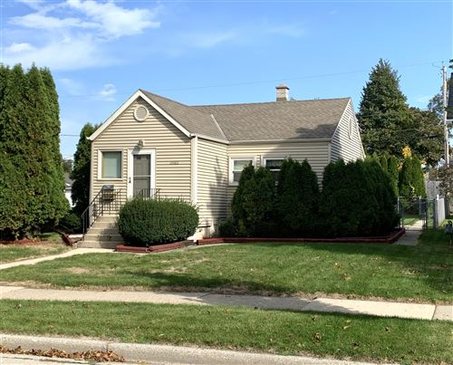 Photo of 3562 S 4th St, Milwaukee, WI 53207 (MLS # 1714830)
