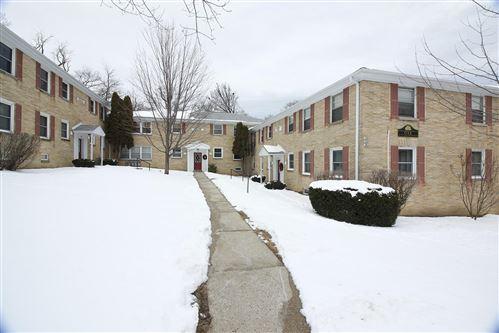 Photo of 1344 E Randolph Ct #B, Milwaukee, WI 53212 (MLS # 1725834)