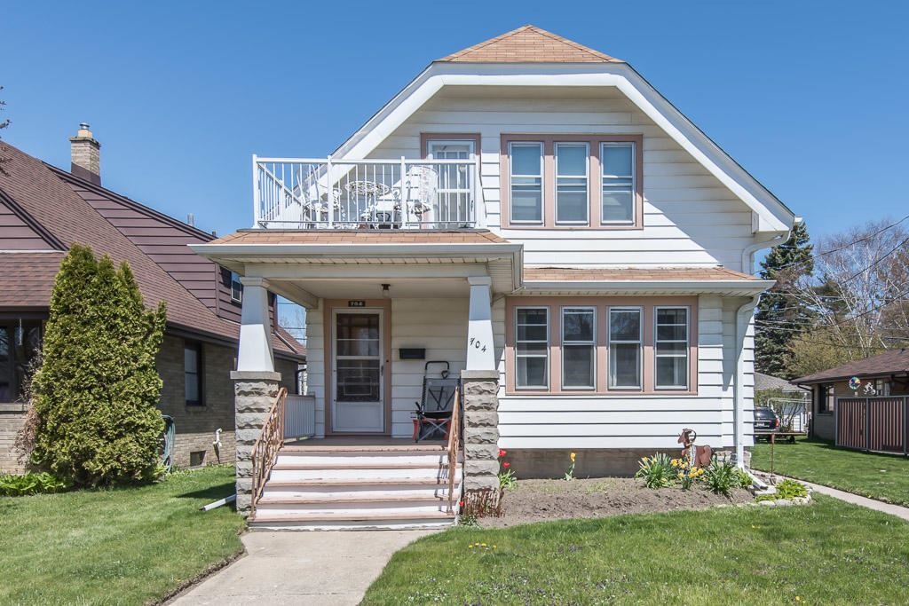 704 Park Ave, South Milwaukee, WI 53172 - MLS#: 1745835