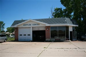 Photo of 885 S Main St, West Bend, WI 53095 (MLS # 1647844)