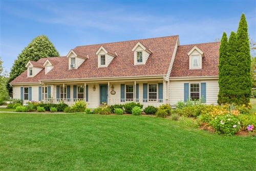 Photo of 2179 Hillcrest Dr, Delafield, WI 53018 (MLS # 1755847)