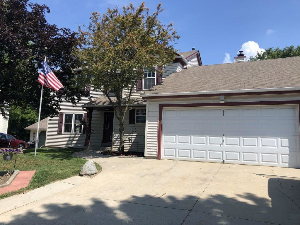 722 St. Sylvester Dr, South Milwaukee, WI 53172 - #: 1697855
