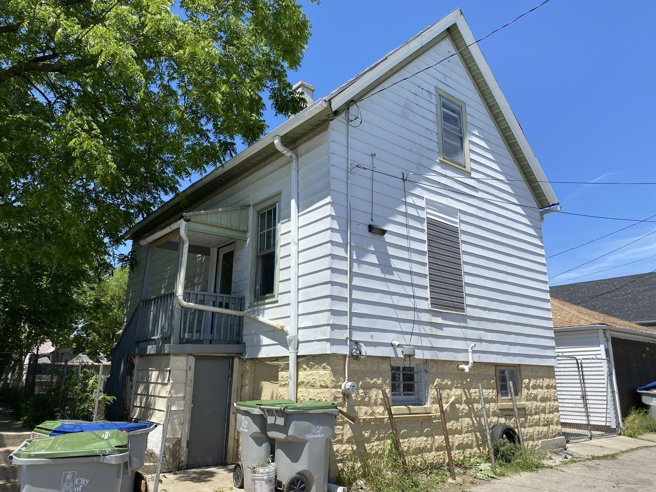 1962 S 12th St, Milwaukee, WI 53204 - #: 1693861