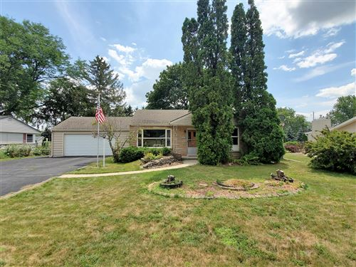 Photo of N62W23905 Sunset Dr, Sussex, WI 53089 (MLS # 1755863)