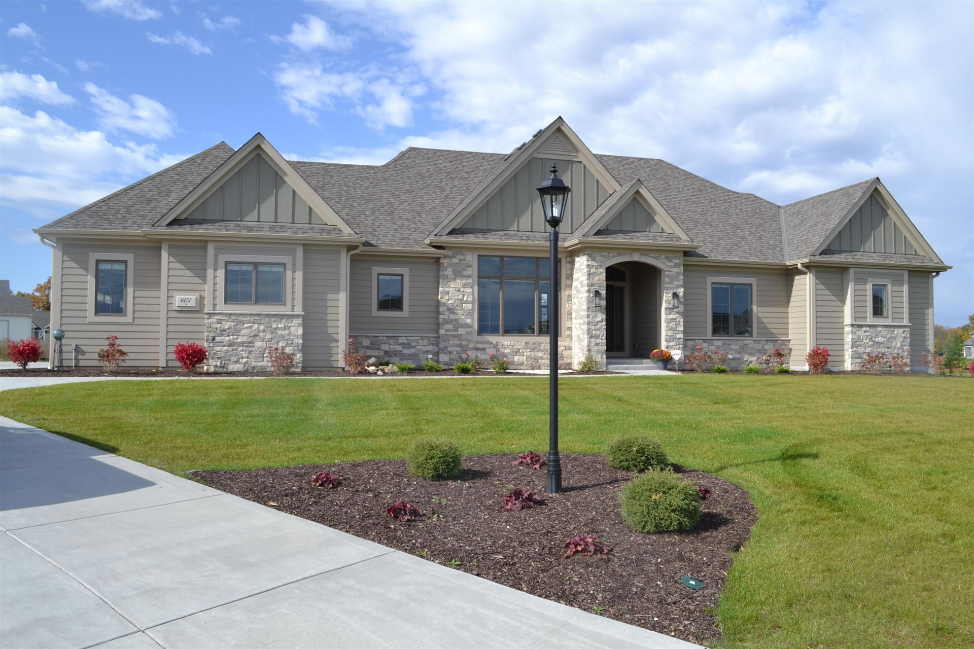 6157 S Grouse Hollow Ct, New Berlin, WI 53151 - #: 1714867