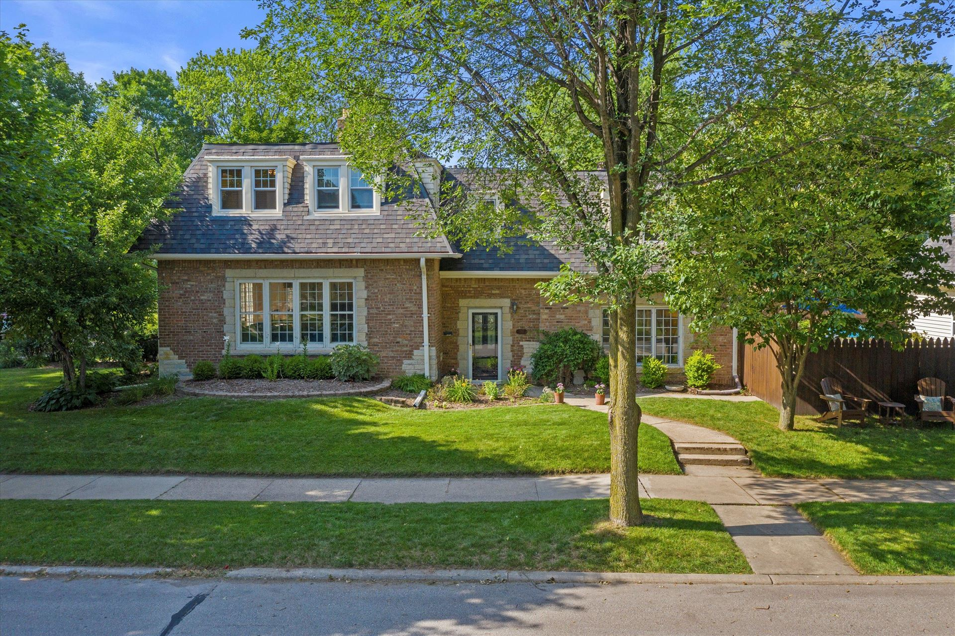 110 E Belle Ave, Whitefish Bay, WI 53217 - MLS#: 1750882