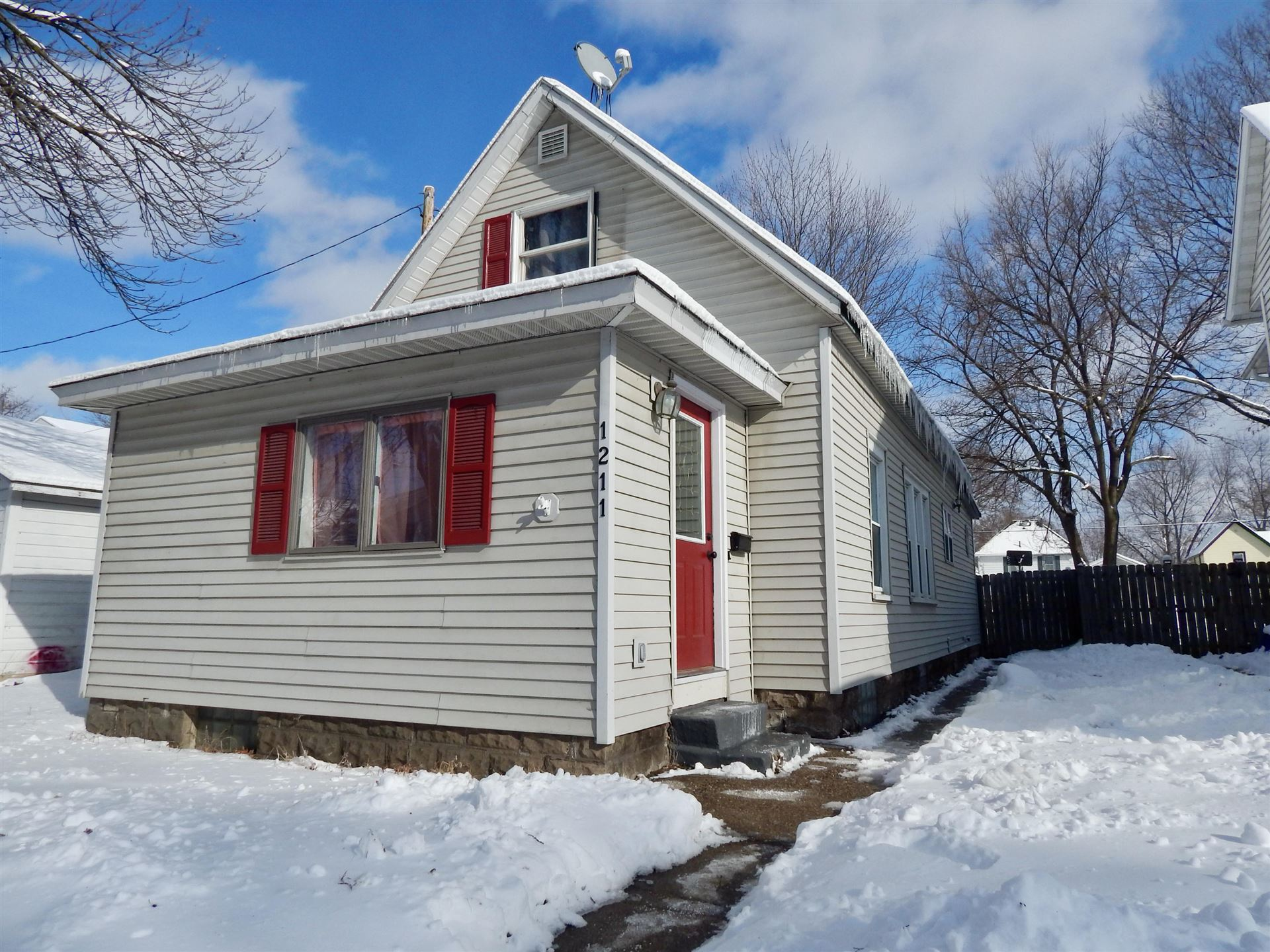 1211 5th Ave S, La Crosse, WI 54601 - MLS#: 1727884
