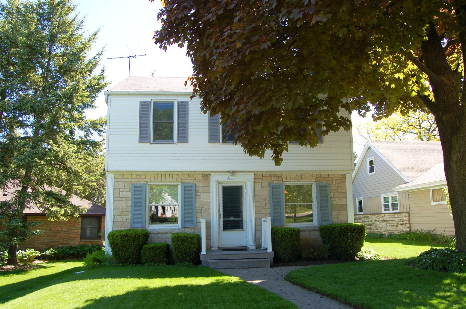 3222 S 45th St, Greenfield, WI 53219 - #: 1691885