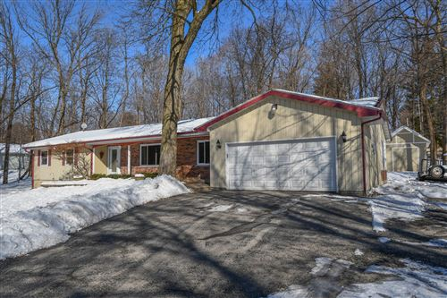 Photo of N7966 Green Tree Ln, Ixonia, WI 53066 (MLS # 1677886)