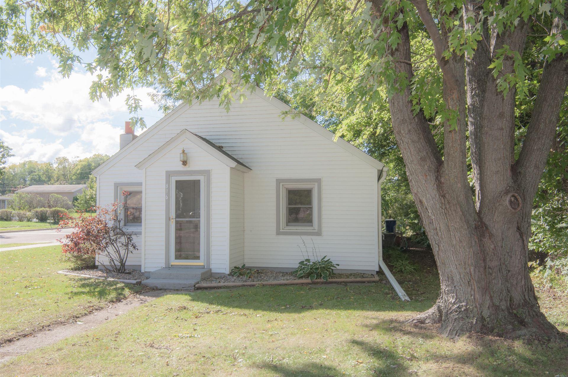 816 Green St, Onalaska, WI 54650 - MLS#: 1764886