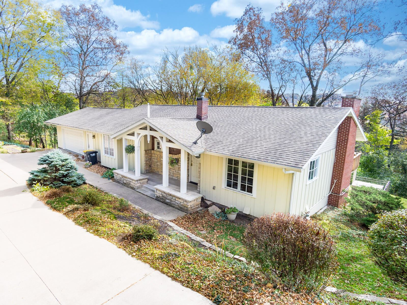 N1955 Hickory LN, Shelby, WI 54601 - MLS#: 1715887