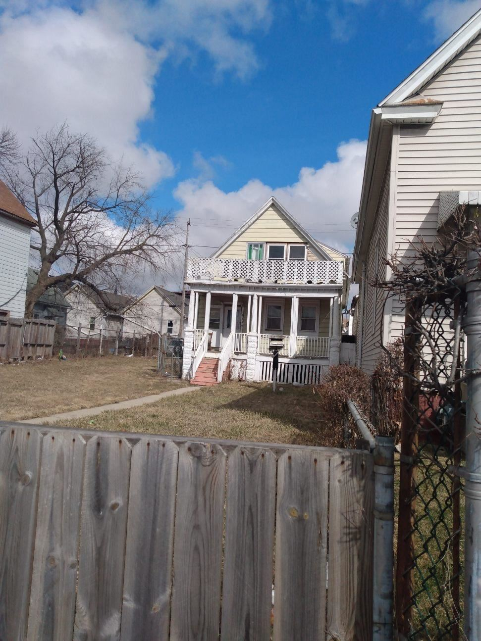 1300 W Greenfield ave, Milwaukee, WI 53204 - #: 1686892