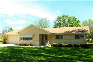 Photo of 3680 Hollywood LN, Brookfield, WI 53045 (MLS # 1638896)