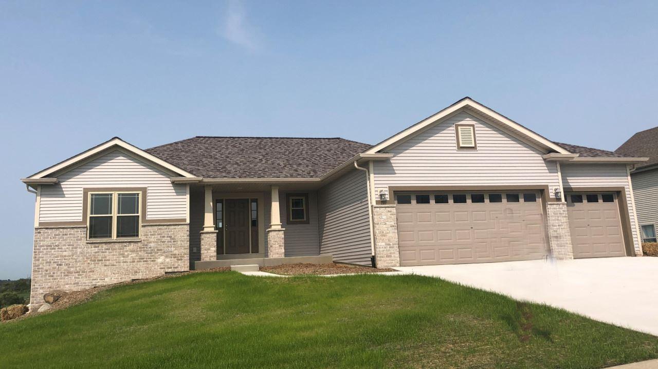 436 Champlain Dr, Johnson Creek, WI 53038 - #: 1686896