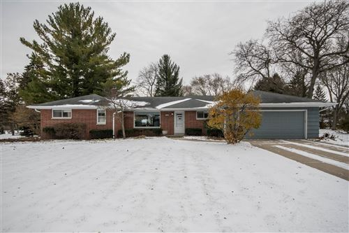 Photo of 14265 W Glendale Ave, Brookfield, WI 53005 (MLS # 1677897)