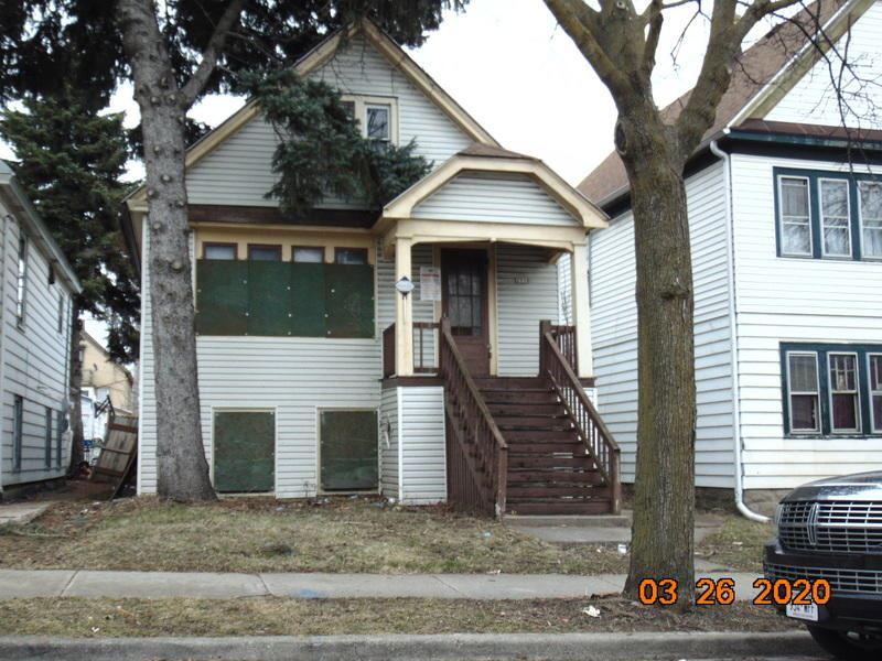 2558 S 9th Pl, Milwaukee, WI 53215 - #: 1679897