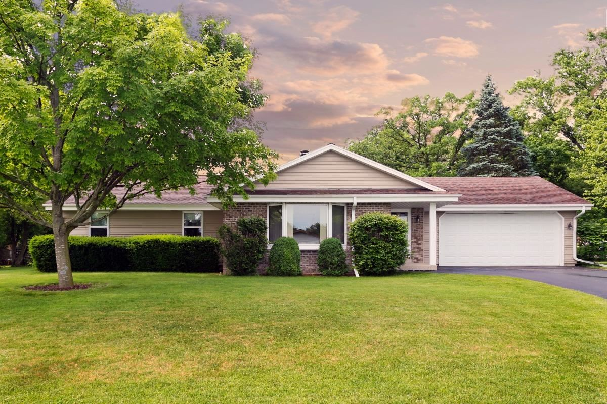 12135 W Plainfield Ave, Greenfield, WI 53228 - #: 1693903